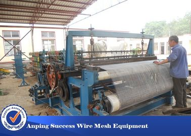 Cina Customized Crimped Wire Mesh Equipment, Fencing Wire Making Machine Ukuran Besar pemasok